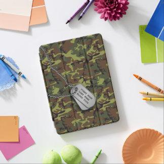Protection iPad Air Jungle Camo vert avec des étiquettes de chien