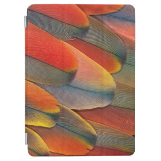 Protection iPad Air Plan rapproché de plume d'ara d'écarlate