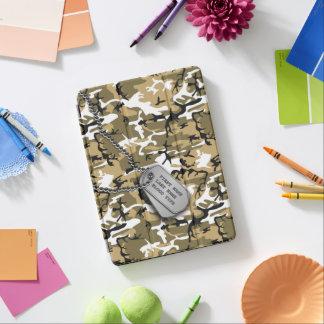 Protection iPad Air Sable Camo de désert avec des étiquettes de chien