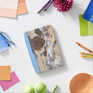Protection iPad Mini Coquillages sur la plage par Shirley Taylor