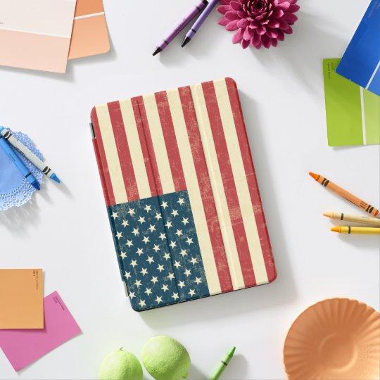 Protection iPad Pro Le drapeau américain âgé s'est fané