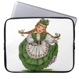Protection Pour Ordinateur Portable Le rétro danseur irlandais de poupée avec des