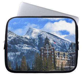 Protection Pour Ordinateur Portable Mt Rundle et hôtel célèbre, Banff, Alta, Canada