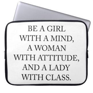 Protection Pour Ordinateur Portable Soyez une fille avec un esprit, une femme avec