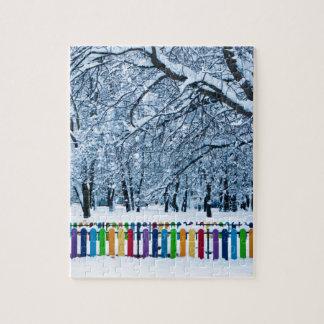 Puzzle Barrière colorée d'hiver