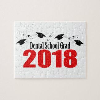 Puzzle Casquettes et diplômes du diplômé 2018 d'école