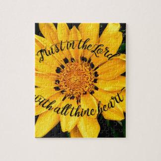 Puzzle Confiance dans le seigneur Bright Yellow Flower