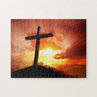 Puzzle Croix religieuse de Pâques au coucher du soleil