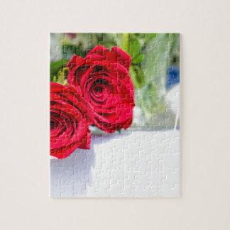 Puzzle Fin de bouquet de rose rouge vers le haut