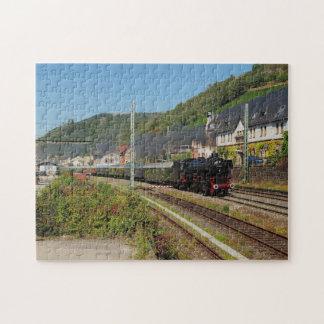 Puzzle Locomotive à vapeur avec le train spécial dans les