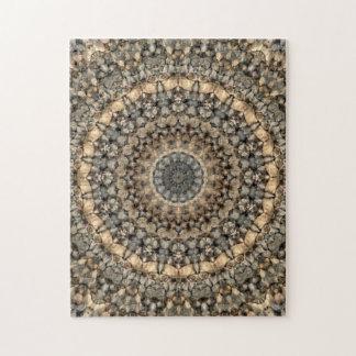 Puzzle Mandala neutre complexe de cailloux