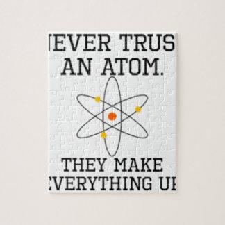 Puzzle Ne faites jamais confiance à un atome - la Science