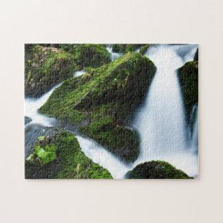Puzzle pierre verte de cascade