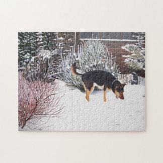 Puzzle Scène de neige d'hiver avec le chien noir et