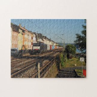 Puzzle Train de marchandises dans les Lorchhausen au Rhin