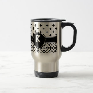 Quatrefoil blanc noir décoré d'un monogramme mug de voyage en acier inoxydable