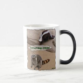 Quelque chose empeste mug magic