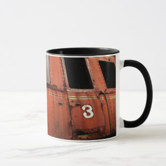 RAIL CARAGE ATTENDANT LA RECONSTRUCTION MUG