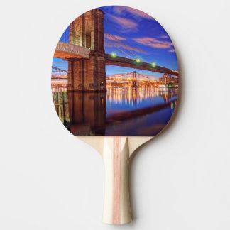 Raquette De Ping Pong L'East River, pont de Brooklyn, Manhattan