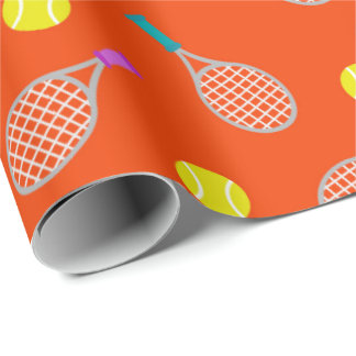 Raquette de tennis et enveloppe orientée de partie papiers cadeaux