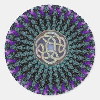 Rayonnement du noeud celtique grunge de mandala de sticker rond