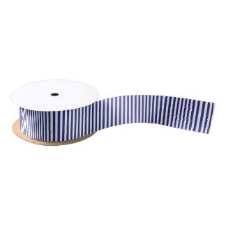 Rayures bleues et blanches verticales ruban en satin