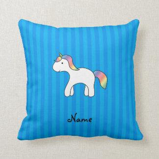 Rayures bleues personnalisées de licorne nommée de oreillers