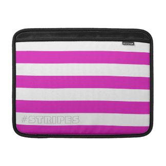 Rayures roses horizontales sur la couleur et le housse macbook air
