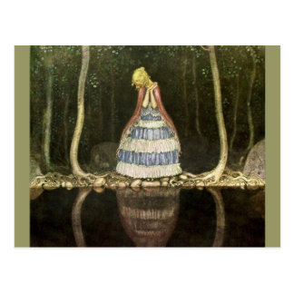 Reflection de princesse dans la piscine carte postale