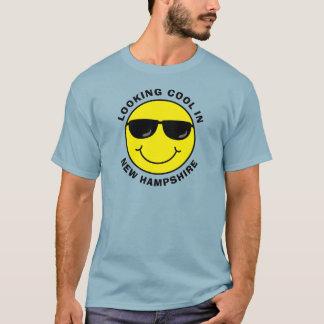 Regard souriant frais dans votre état t-shirt