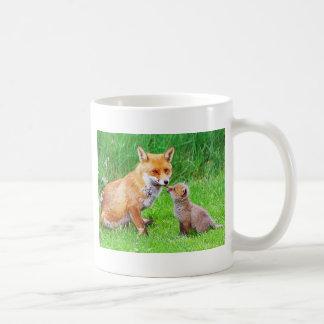 Renard et petit animal de mère mug