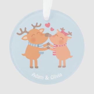 Renne mignon en ornement de Noël d'amour