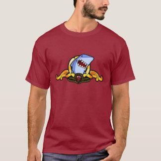 Requins pour le T-shirt du saké des requins