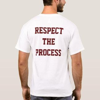 Respectez le T-shirt des hommes de processus de |