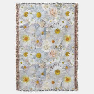 Ressort nuptiale de mariage floral de bouquet de couvre pied de lit