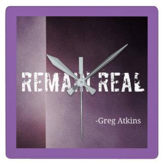 Restent la vraie horloge pourpre Greg Atkins