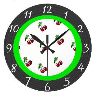 Rétro horloge de cuisine de cerises de style