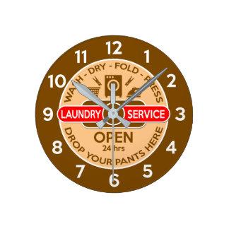 Rétro horloge de laverie