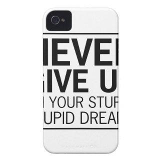Rêves stupides stupides étuis iPhone 4
