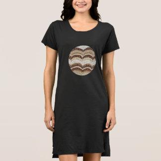 Robe du T-shirt des femmes beiges de mosaïque