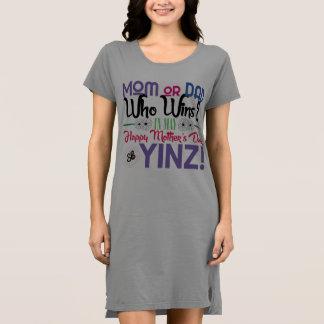 Robe heureuse de T-shirt de Yinz du jour de mère
