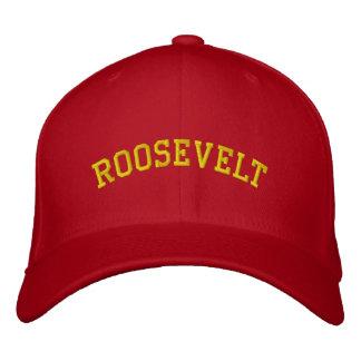 Roosevelt Rough Riders a adapté des casquettes