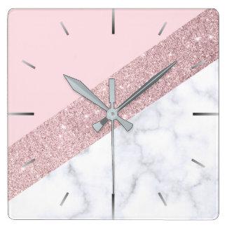 rose de marbre blanc de parties scintillantes horloge carrée