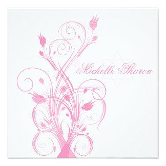 Rose floral à l'invitation blanche de bat mitzvah