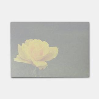 Rose jaune post-it®