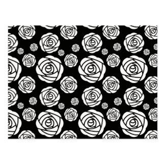 Roses blancs sur le noir carte postale