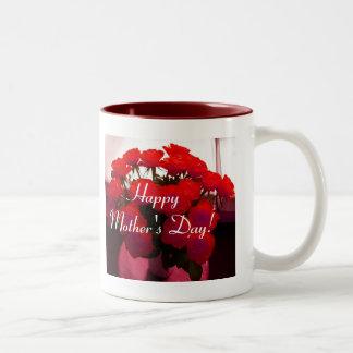 Roses rouges heureux du jour de mère tasse 2 couleurs