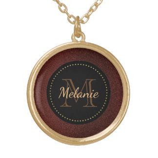 Rouge, collier de monogramme d'or - couleur