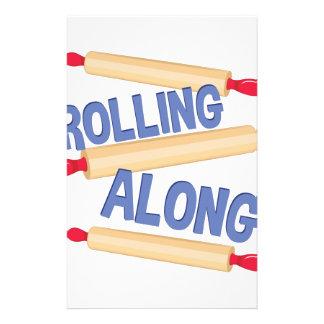 Roulement le long motifs pour papier à lettre