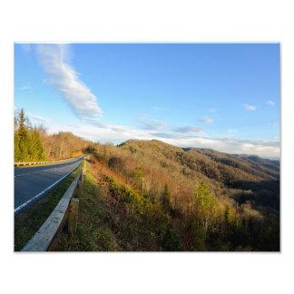 Route à la montagne fumeuse tirage photo